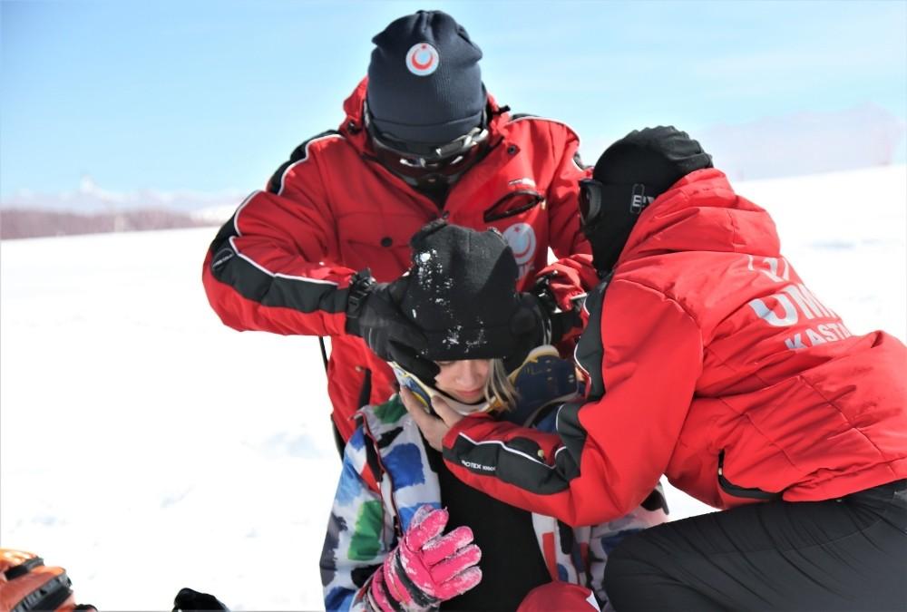 Ilgaz Dağı'ndaki kurtarma tatbikatı nefes kesti