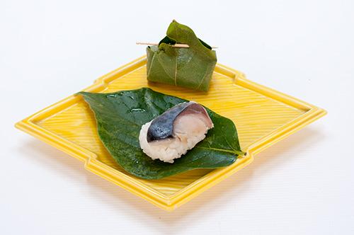 鯖の柿の葉寿司