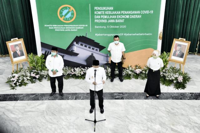 Ridwan Kamil Kukuhkan Komite Kebijakan Penanganan COVID-19 dan Pemulihan Ekonomi Daerah Provinsi Jabar