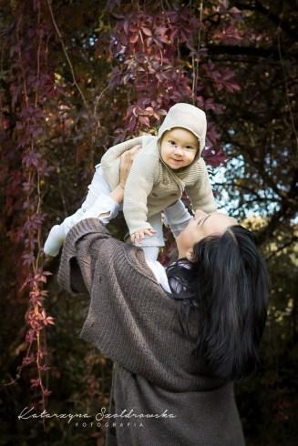 Jesienna Sesja mamy z dzieckiem w Krakowie na łonie natury. Photo mother and child