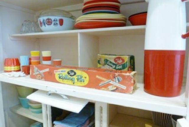 vintage 1950s kitchen