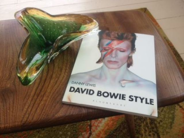 david bowie vintage fashion