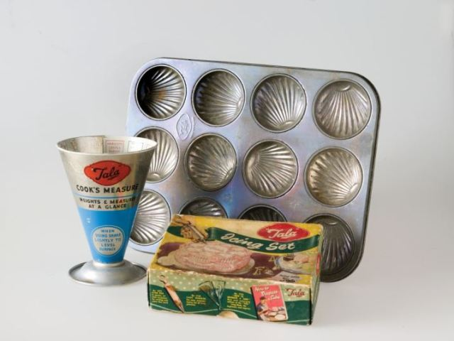 Vintage kitchen brands 1950s Tala Kitchen ware by Kate Beavis Vintage Home (photo by Simon Whitmore for FW Media)