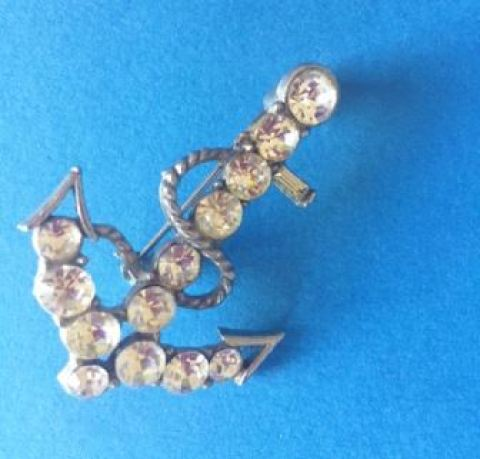 Vintage rhinestone anchor brooch as featured on Kate Beavis Vintage Home blog
