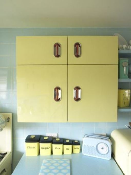 Get the Vintage 1950s Kitchen Look English Rose from Style Your Modern Vintage home book by Kate Beavis