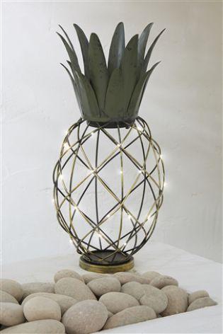 My Top 10 Pineapple Vintage Style Homewares