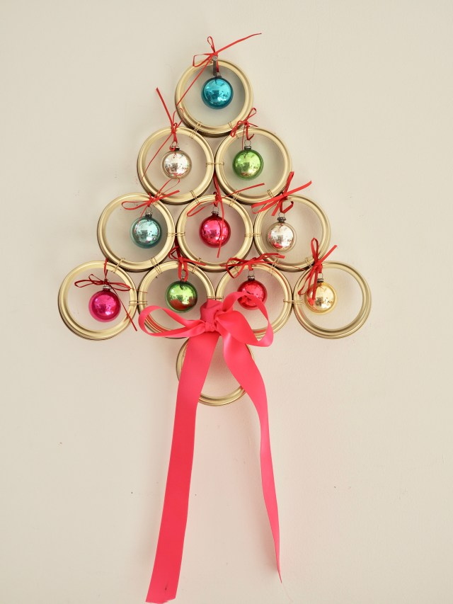 How to make a Christmas Tree Wreath using Kilner Jar Screw Bands