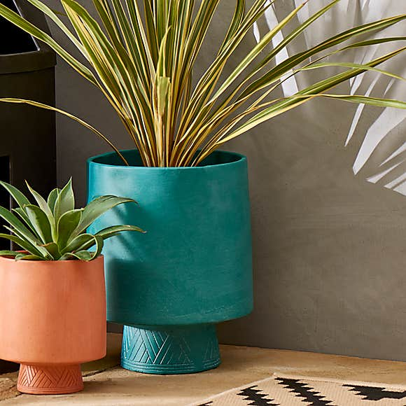 Vintage And Retro Style Plant Pots From Dunelm