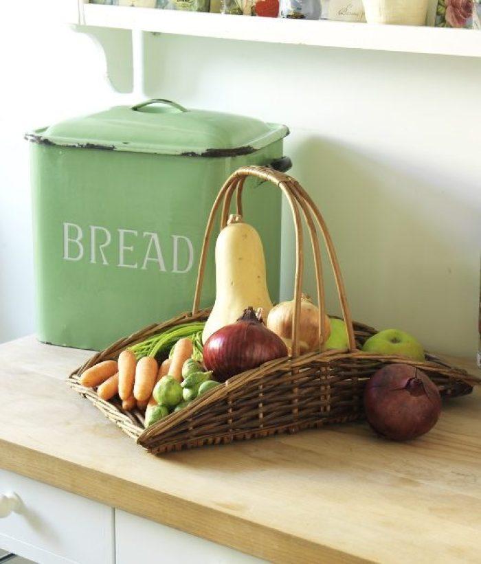 Vintage Basket and veg