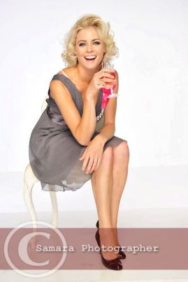 kate-braithwaite-model-hats-pretty-laughing-smiling-beautiful-blonde-blond-short-small-dress-long-legs-fit-body-dancer-actress-model