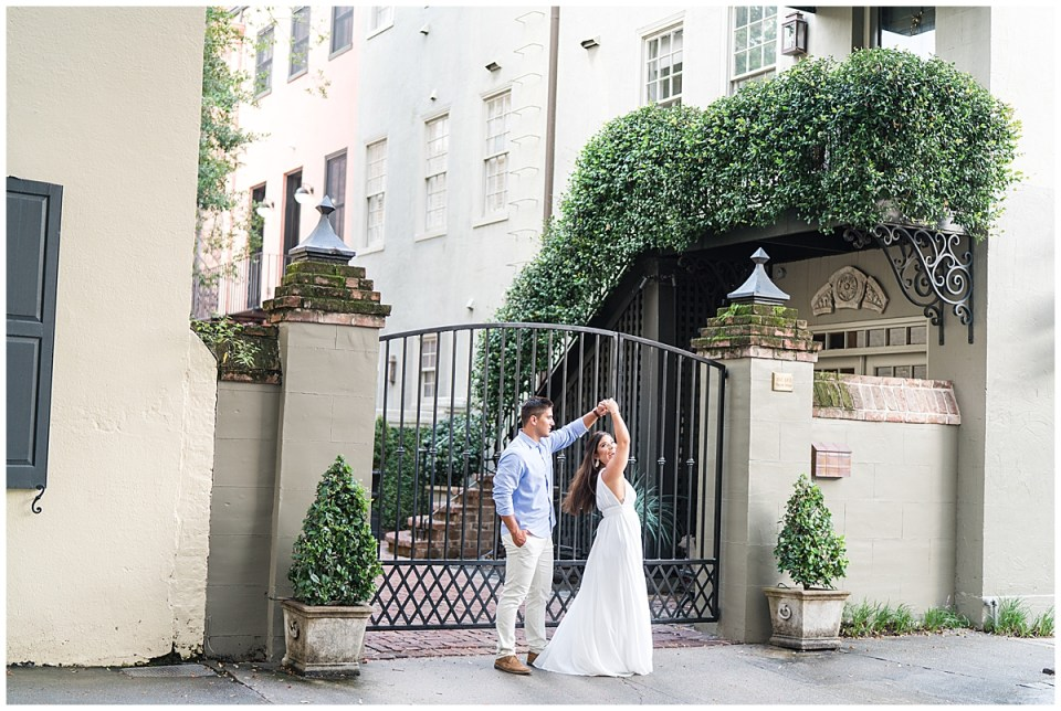 Downtown Charleston Engagement Wedding Outdoor_0033.jpg