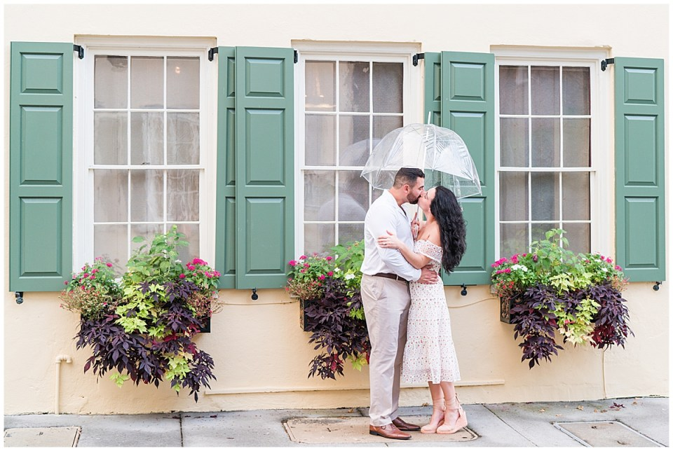 Outdoor Downtown Charleston Engagement Session_0018.jpg