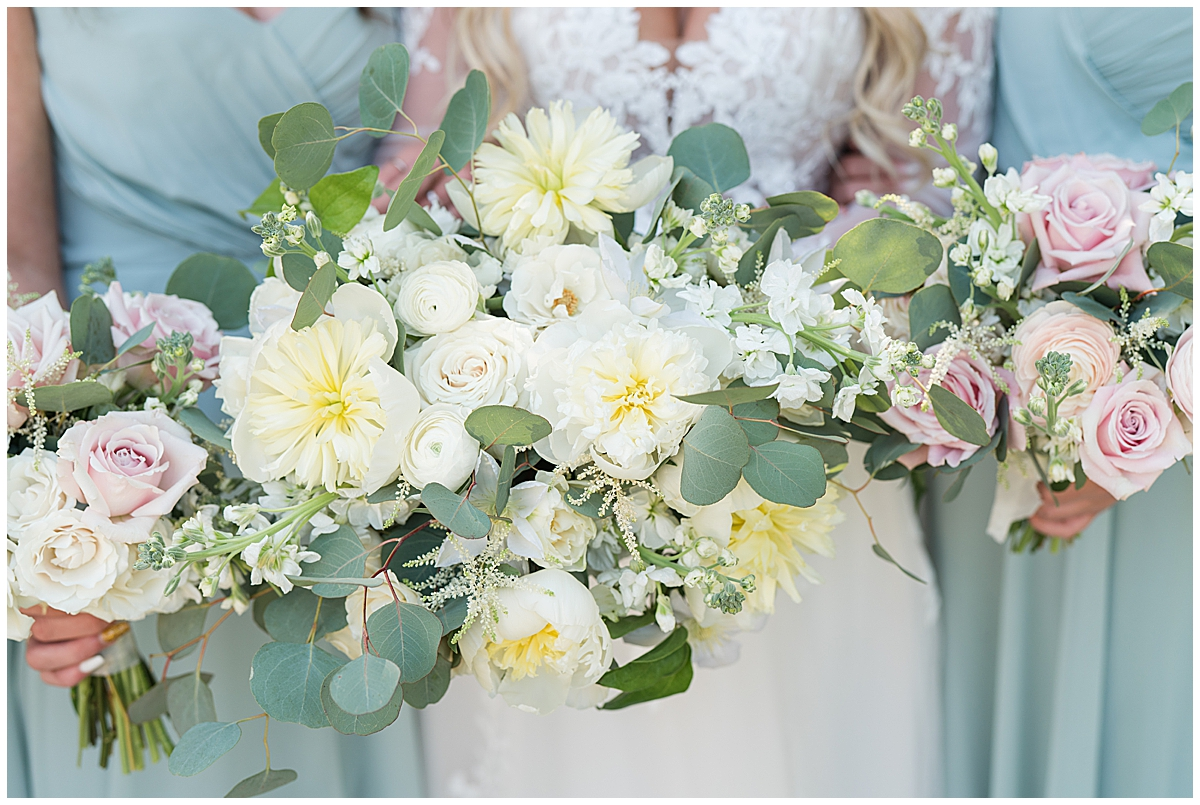 bouquets for spring wedding in Charleston SC