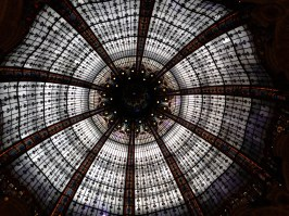 the ceiling of Galeries