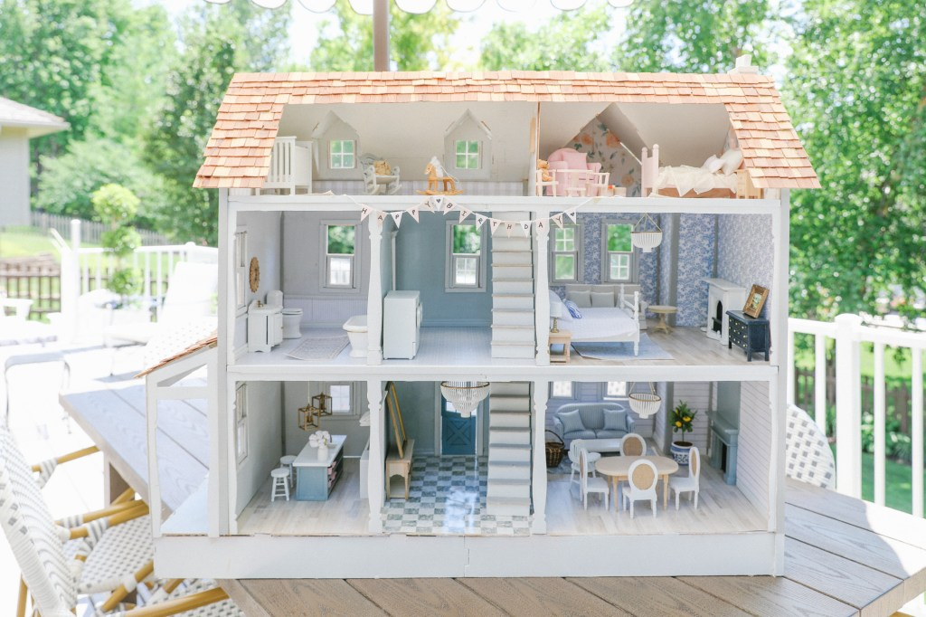 Modern Dollhouse Furniture And Decor, Pictures Of Dollhouse Furniture