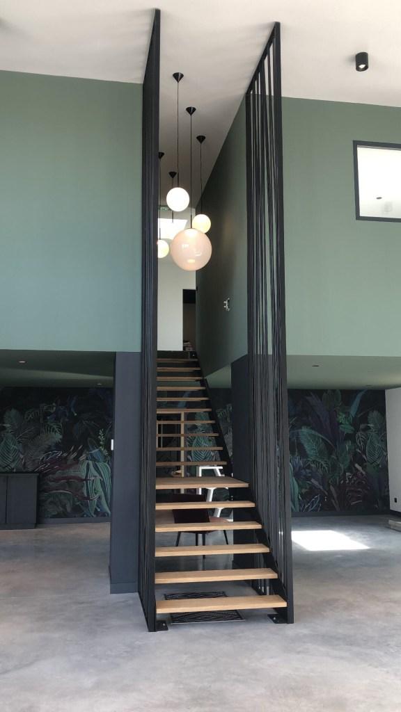 Show room Katell Guivarch - Papier peint London Art - Garde corps escalier