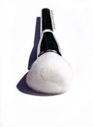 IT Cosmetics Heavenly Skin Brush | Kate Loves Makeup
