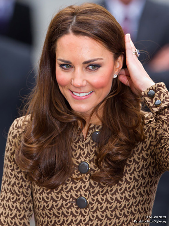 Kate visits The Art Room and wears Orla Kiely