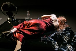 2007 De Stad with music by Kate Moore, directed by Matthias Mooij, performed by Saskia Lankhoorn and Joa Hug - Korzo Theater Production