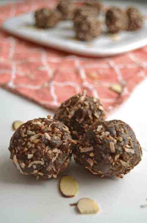 Chocolate Coconut Bites - a tasty and healthy snack that tastes like an almond joy bar! So good!