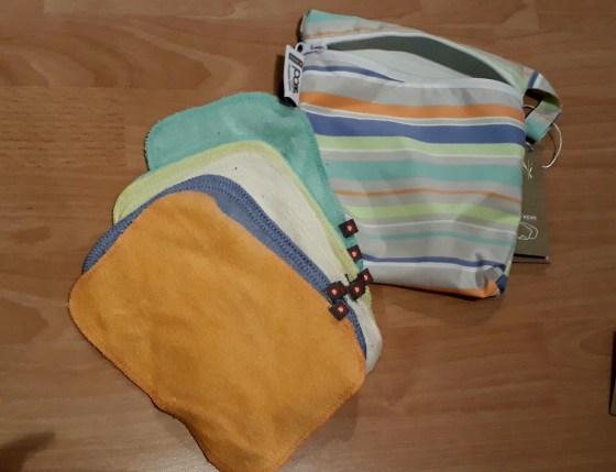 Pop-in reusable baby wipes