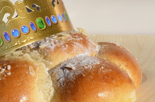 Easy Three Kings Cake Recipe