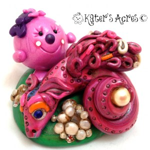 Lolly & the Pearl Dragon polymer clay figurine https://katersacres.com