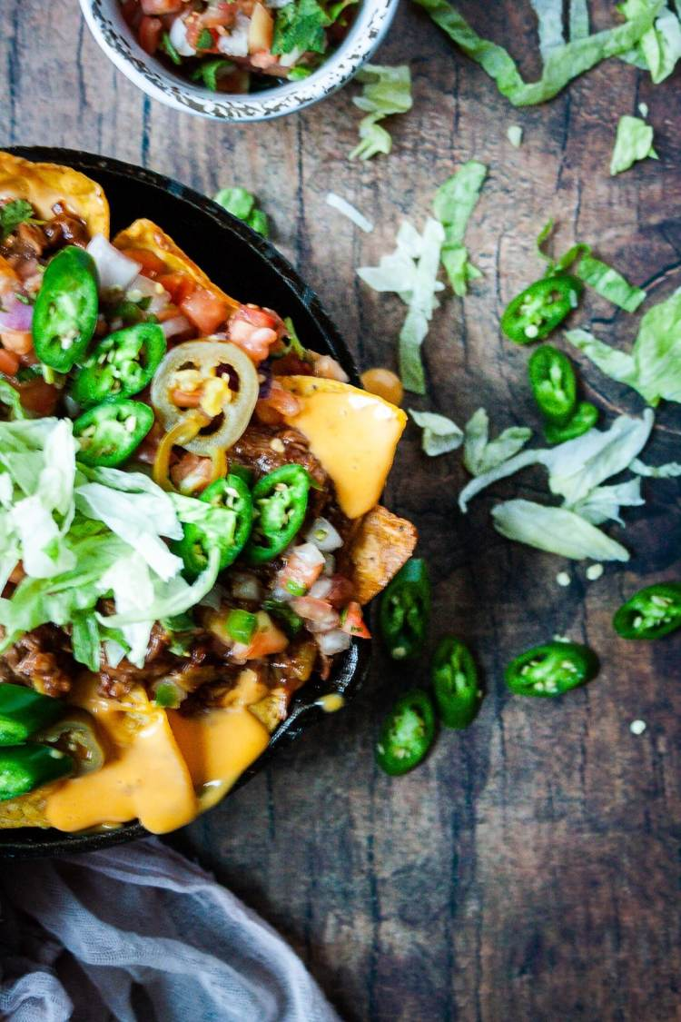 How to make pulled pork nachos