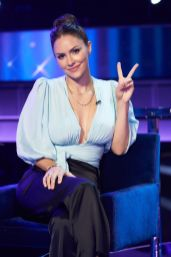 """I CAN SEE YOUR VOICE: Katharine McPhee in the """"Episode 10"""" Episode of I CAN SEE YOUR Voice airing Wednesday, Dec. 9 (9:00-10:00 PM ET/PT) on FOX. © 2020 FOX MEDIA LLC. Cr: Michael Becker / FOX."""