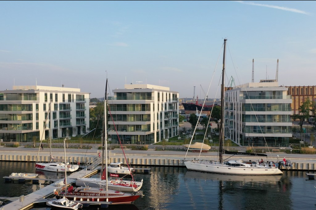 W Marina Yacht Park