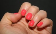 coral-nails-sunday-funday-essie