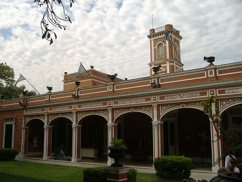 800px-Fachada_Museu_Histórico_Argentina