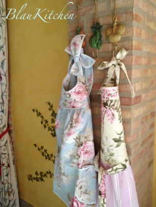 shabby chic aprons from blau kitchen