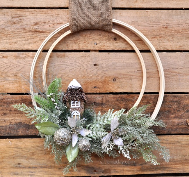 embroidery hoop holiday decor