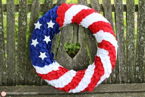 DIY patriotic felt wreath