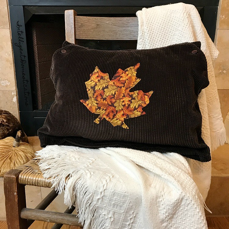 diy leaf pillow