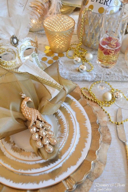 gold and white new year tablescape