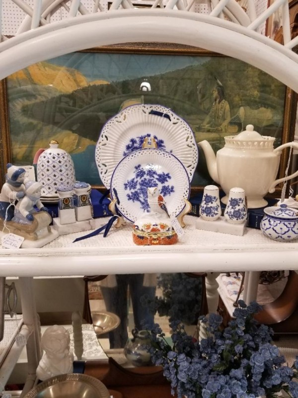 blue and white dishware