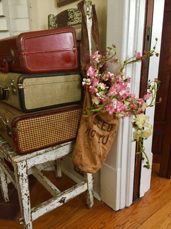 creative qways to display freshly cut flowers