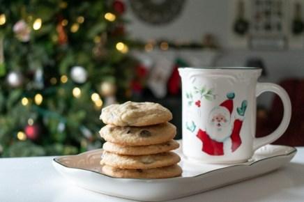 santa mug and chocolate chip cookies