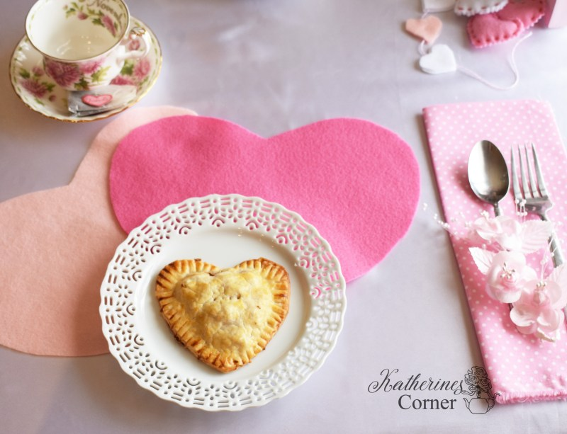 easy-felt-heart-valentines-day placemat