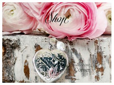 beautiful online wedding bouquet lockets