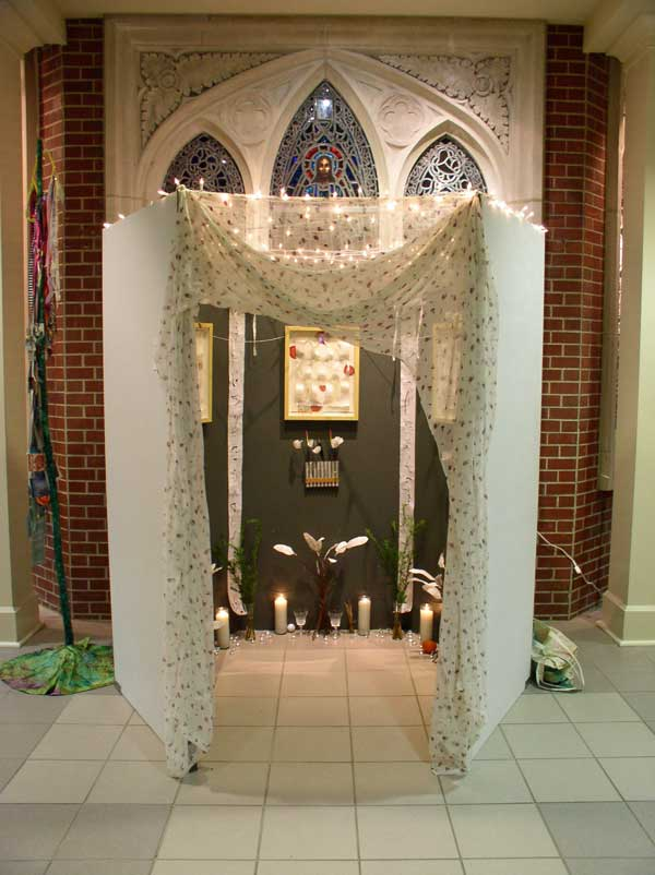 "© Kathleen O'Brien, ""Home of the Ancestors"" installed at the Cathedral, 2006"