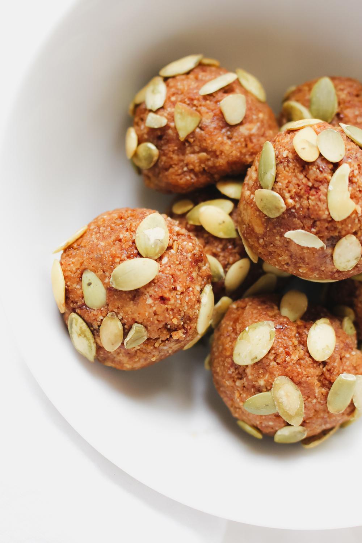 No-Bake Pumpkin Truffles