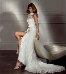 Lace-wedding-dress-model