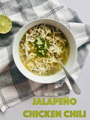 This simple Jalapeño Chicken Chili is just as easy as it is healthy. A slight kick from the jalapeños and salsa verde with a hint of freshness from the lime juice. The perfect chili to wake you up this fall and winter. Recipe at KathleensCravings.com #whitechili #chickenchili #salsaverde