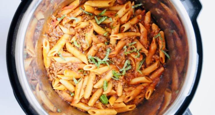 Instant Pot Penne Bolognese – One Pot!