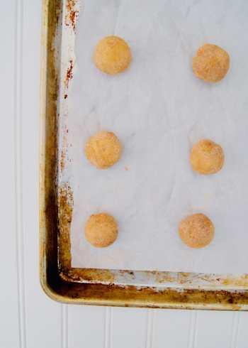 Pumpkin-Snickerdoodle-cookie-dough-balls