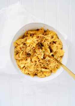 Center-creamy-pumpkin-pasta-alfredo