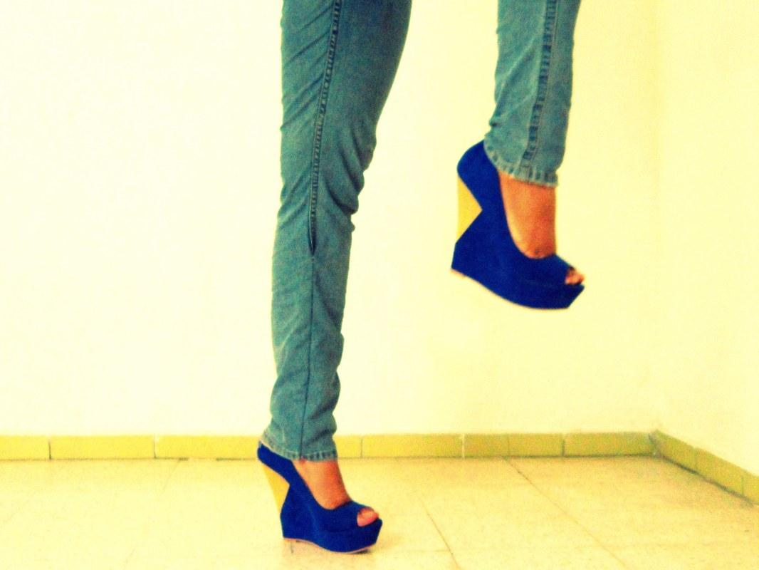 Aviesta Blue Wedges